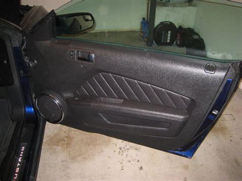 Mustang Interior Door Panel Ford Mustang Interior Door Panel Removal Guide 001