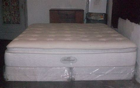 pillow top king bed how to turn a king size pillow top mattress jeffsbakery