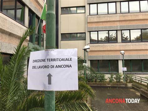 ufficio territoriale lavoro vessazioni sessuali in ufficio inchiesta all agenzia