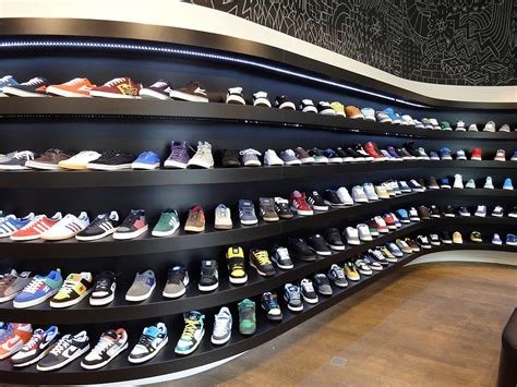 best athletic shoe store chs sports shoe store 28 images top 5 sneaker stores