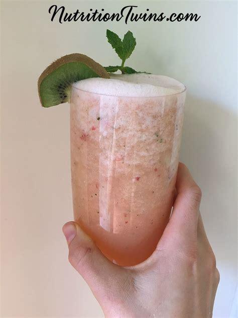 Strawberry Grapefruit Detox Smoothie by Grapefruit Quot Detox Quot Smoothie Nutrition