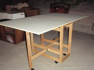 folding cutting table plans folding sewing cutting table plans skateboard quarter