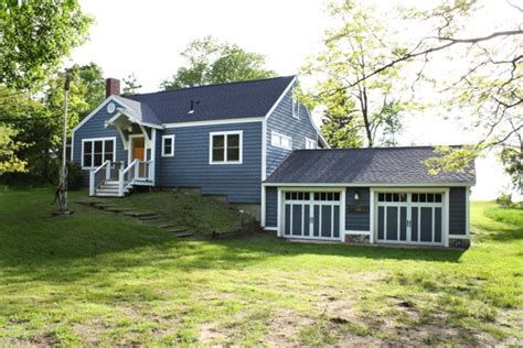 Blue Cottage by Lake Michigan Cottage