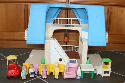 Vintage Little Tikes Doll House Dollhouse Blue Roof Accessories Furniture Family