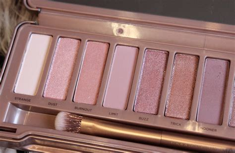 Naked3 3 Limited decay 3 palette pebbles