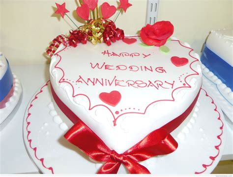 Wedding Anniversary Quotes On Cakes by Happy Wedding Anniversary Saying On Cake Background