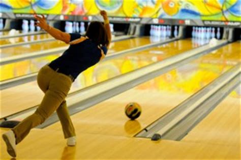 bowling arm swing a good bowling arm swing get more hook