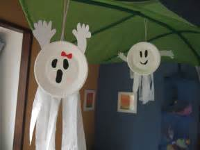 Simple Kids Halloween Crafts - easy construction paper crafts for kids papercraft