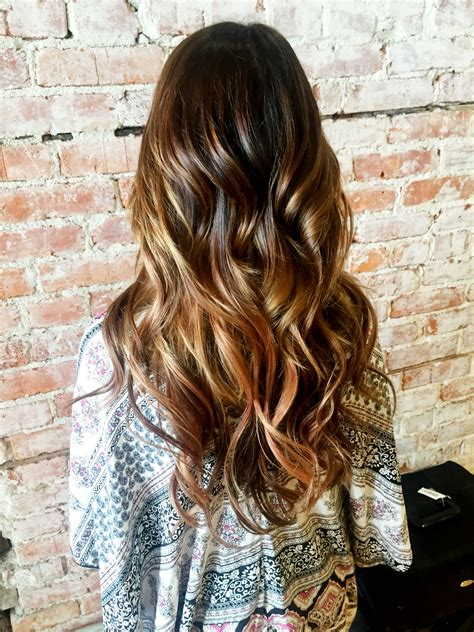 what is difference between some ombre color melting balayage ombre the difference between ombre and balayage style lounge salon