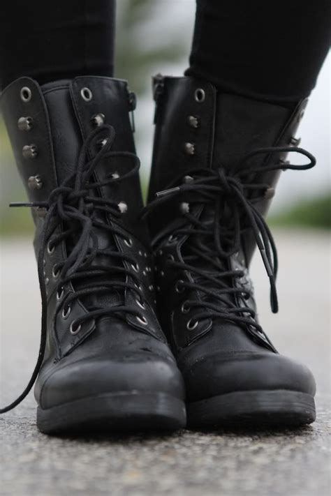 25 best ideas about black boots on chunky