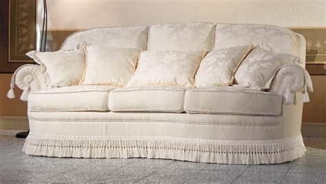 divani letto classici di lusso divano classico di lusso per eleganti salotti idfdesign