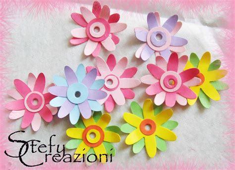 fiori di cartoncino fiori piccoli di cartoncino materiali materiali fatti