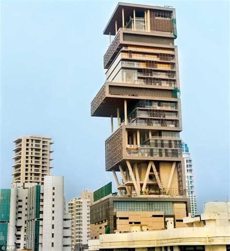 mukesh ambani house mukesh ambanis new house pictures of mumbai mukesh ambanis