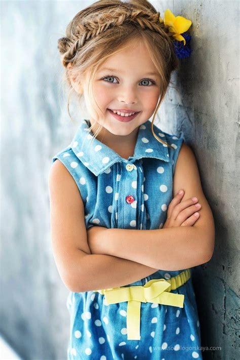 Little Girl Modeling Provocatively | little girl modeling provocatively related keywords