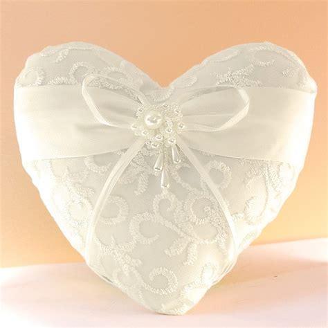 coussin mariage alliance coussin mariage porte alliances coeur broderie perle