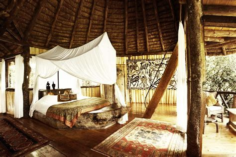 treehouse bedroom amazing tree house hotels eccentric hotels