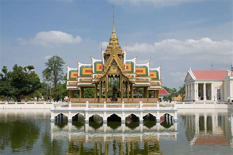 royal pa pa in royal palace