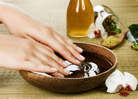 Spa Nail by Nail Salon Atlanta Helps You In Taking Care Of Your Nails
