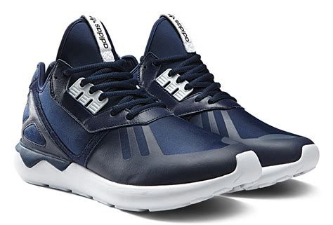 Sepatu Sport Casual Running Pria Adidas Tubular Runner Black adidas originals tubular runner the awesomer