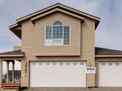Bayfield Garage by Gray Hawk Hultquist Homes