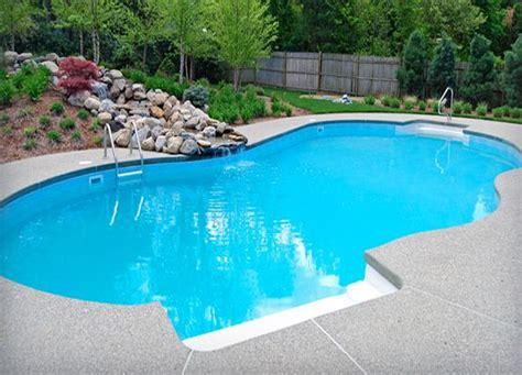 nicely  vinyl liner pool  cantilever deck tanning