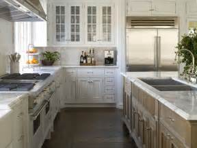 shaped kitchen islands best 25 kitchen layouts with island ideas on