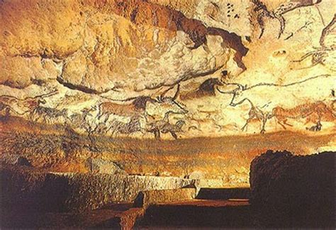 lascaux cave paintings: layout, meaning, photographs