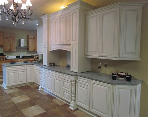 Painting Kitchen Cabinets White by Painting Kitchen Cabinets Antique White Glaze Deductour