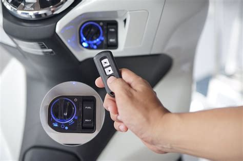 Cara Membuka Kunci Magnet Motor Honda by Cara Mengoperasikan Kunci Keyless Honda Pcx Atau Smart Key