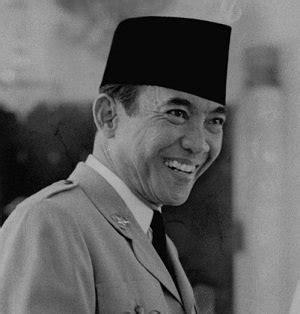 biodata bung hatta singkat pengaruh ideologi soekarno terhadap kemerdekaan indonesia
