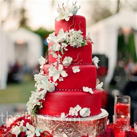 Hochzeitstorte Rot by Cake Austendarcywedding