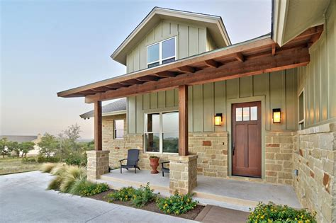 craftsman home with board and batten siding craftsman stone panels and board and batten yahoo image search