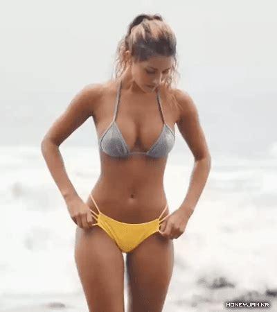 sexiest bikini girls animations core  fitness