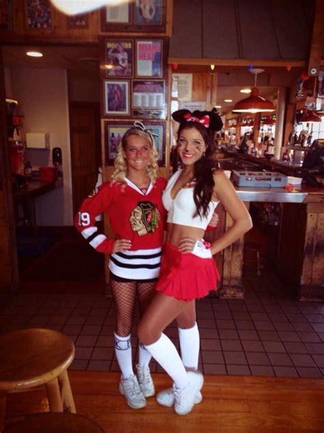 hooters girls hooters waitress pinterest girls