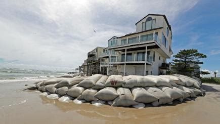 millions brace themselves as hurricane florence approaches