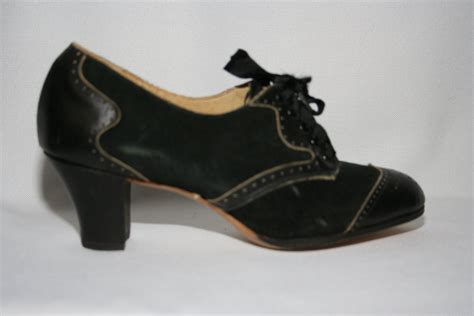 1920s shoes clothing stores