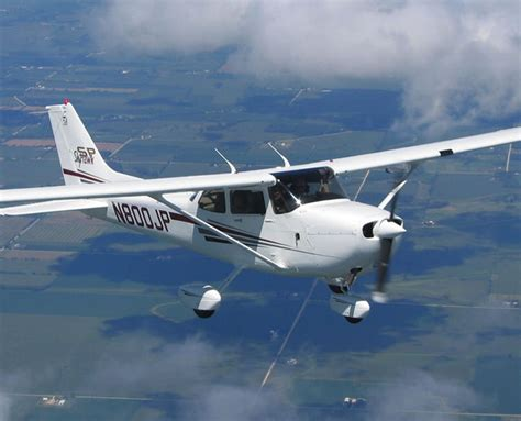 Cessna 172 Ceiling by Cessna 172r S Skyhawk Pictures Technical Data History