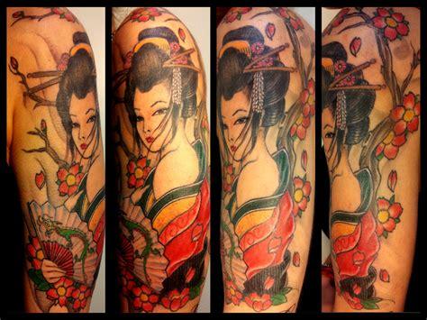 tatuaggi geisha con fiori tatuaggi braccio uomo donna tribali giapponesi scegli