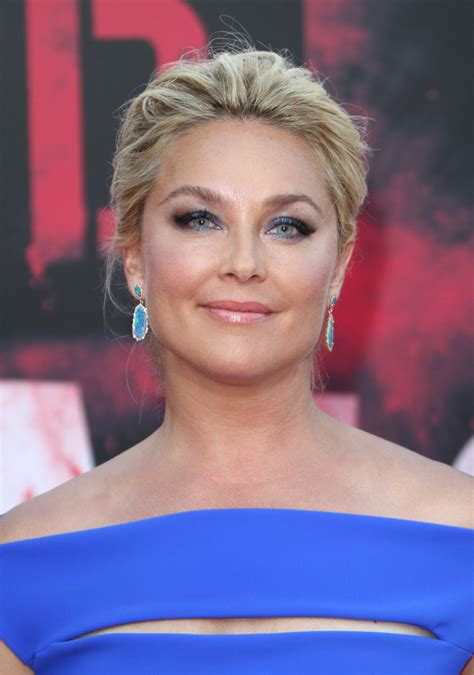Elisabeth Rohm | elisabeth rohm bad moms premiere in los angeles