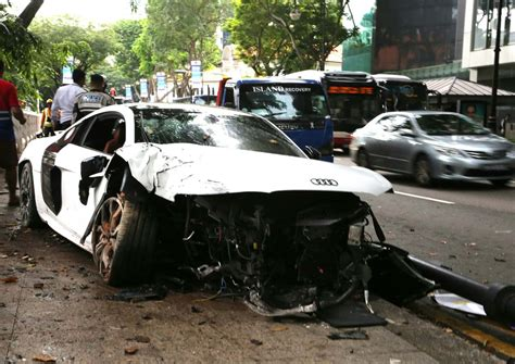 Audi R8 Crash by Audi R8 Crash Is 1 Of 4 Accidents In Less Than 24 Hours
