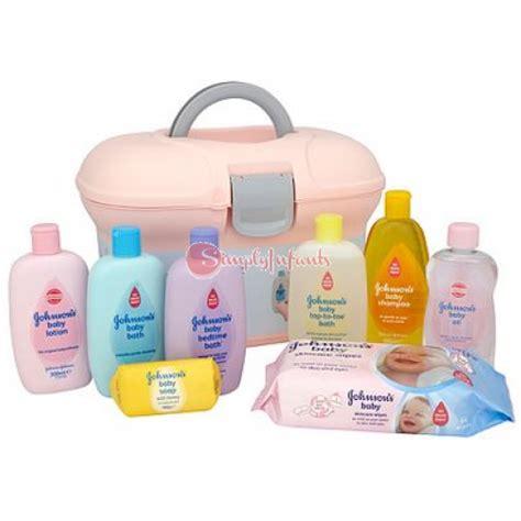 Gift Box Johnsons johnson s baby skincare essentials gift box set pink