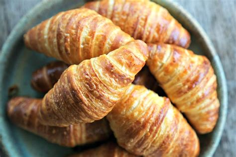 how to cook how to make croissants a tutorial to make it simple