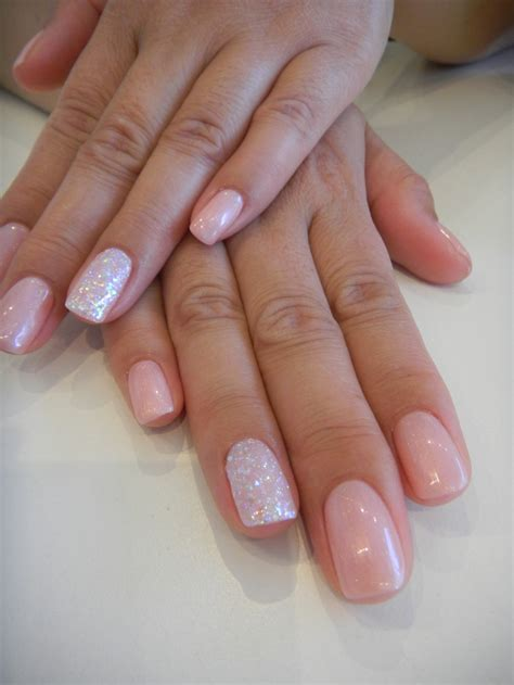 one finger nail different color pictures having your ring finger different makes a big statement