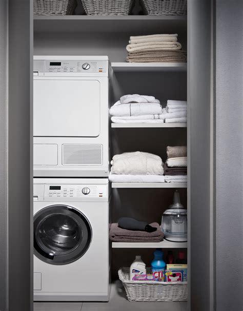 soluzioni bagno lavanderia consigli salvaspazio arredo bagno fai da te donna moderna