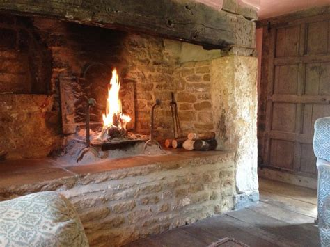 What Is An Inglenook Fireplace by Best 25 Inglenook Fireplace Ideas On Wood