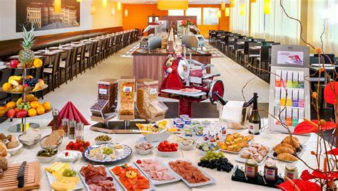 hotels with free breakfast buffet how to eat well at a free hotel breakfast buffet without