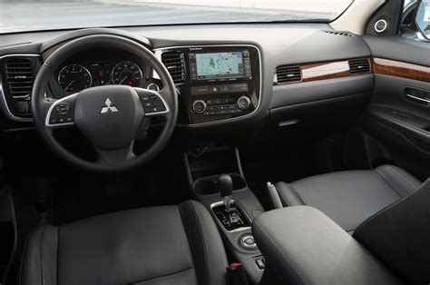 outlander mitsubishi 2015 interior 2014 mitsubishi outlander reviews and rating motor trend