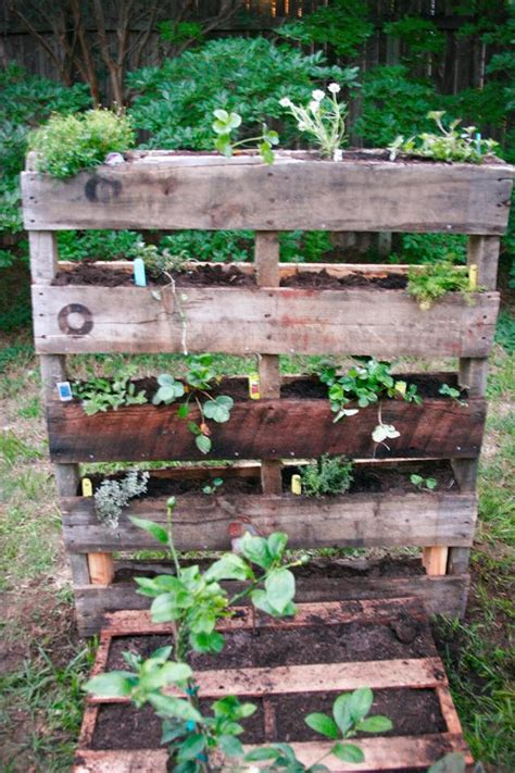 Garden Ideas With Pallets 25 Diy Pallet Garden Projects Pallet Furniture Plans