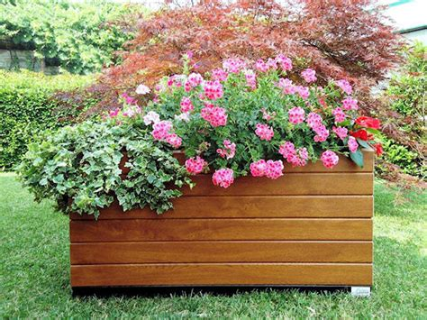 fioriere in legno per esterno fioriere
