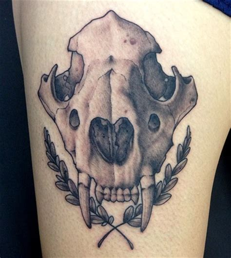 rus laich tattooer lion skull
